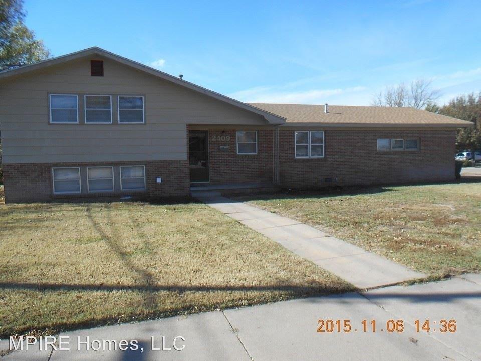 2409 Jackson St, Great Bend, KS 67530