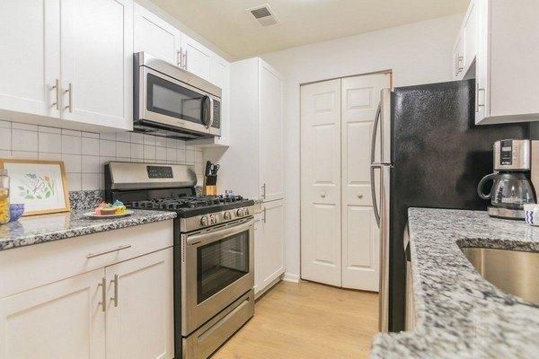 Eagle Rock Apartments At Freehold 100 Lambert Way Apartment For Rent Doorsteps Com
