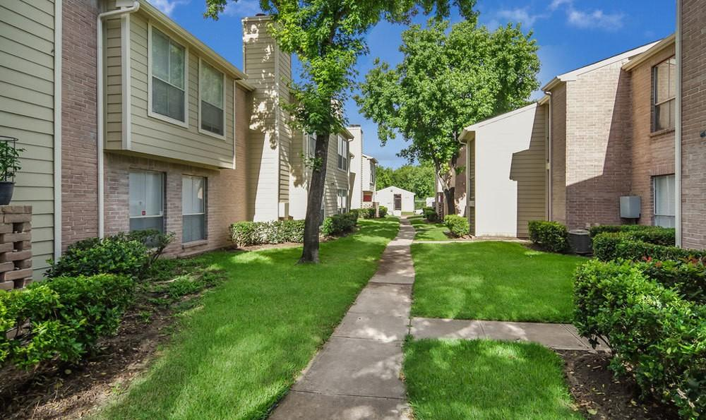 5915 Flintlock Rd, Houston, TX 77040