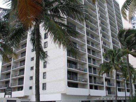 2625 Collins Ave, Miami, FL 33140