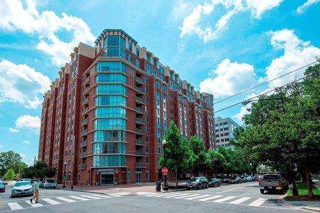 1000 New Jersey Ave SE Apt 819, Washington, DC 20003