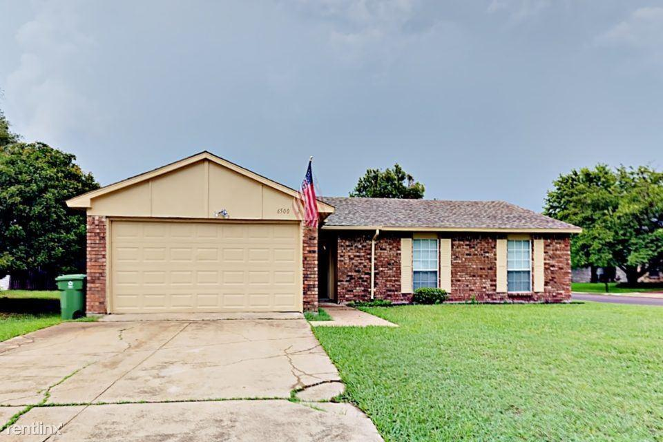 6500 Scarborough Pl, North Richland Hills, TX 76182