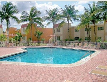 9000 Sw 97th Ave Miami, FL 33176