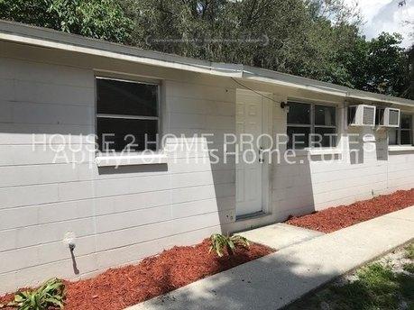 920 E 120th Ave, Tampa, FL 33612