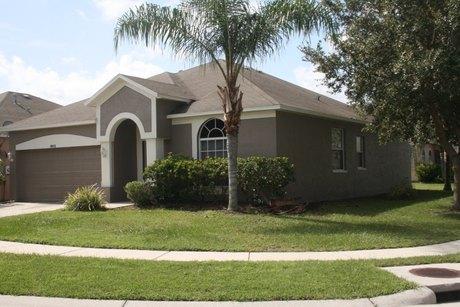 18415 Meadow Blossom Ln Tampa, FL 33647