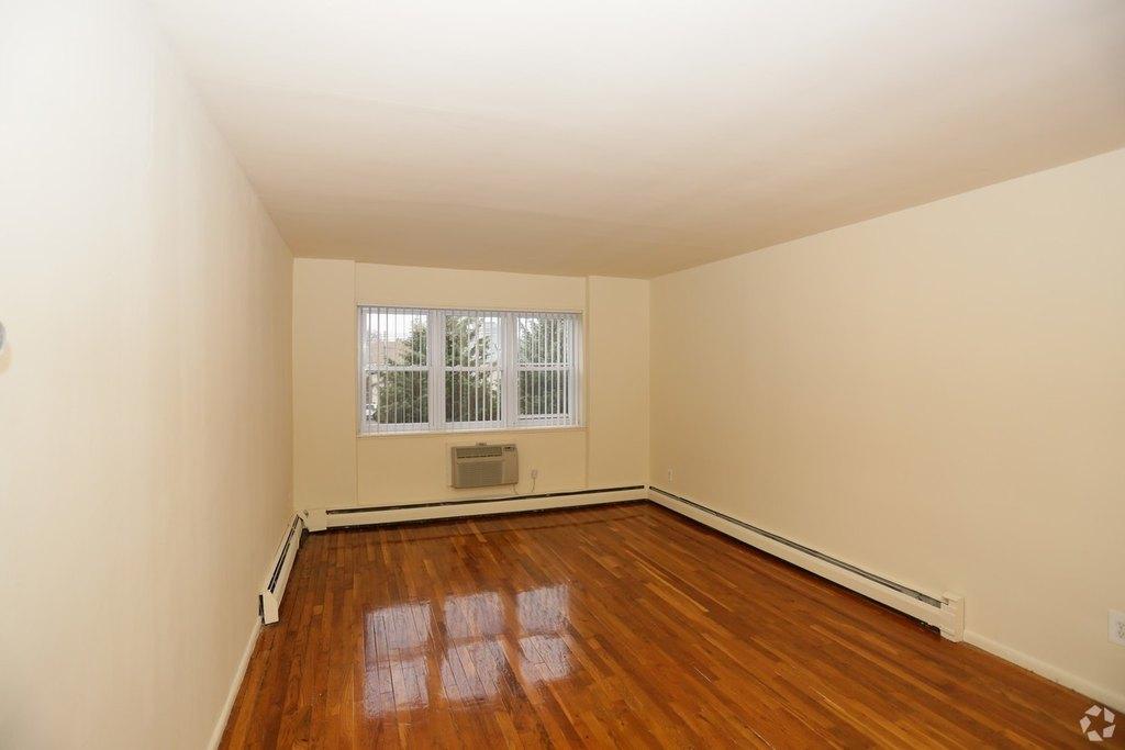 ... Maple Crest Apartments At Williston Park. Exit. 580 610 Willis Ave,  Williston Park, NY 11596