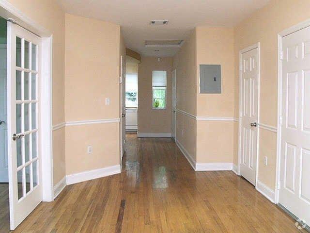 Sobe Apartment Rentals 907 911 Euclid Ave Apartment For Rent