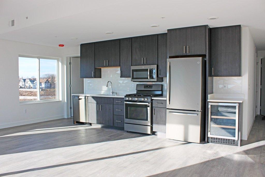 910-920 E Land Pl, Milwaukee, WI 53202