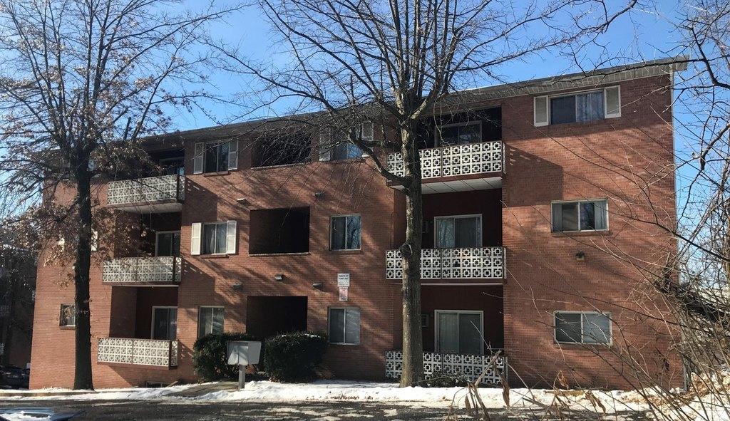 Prete Apartments Evansdale | 2876 University Ave | Apartment