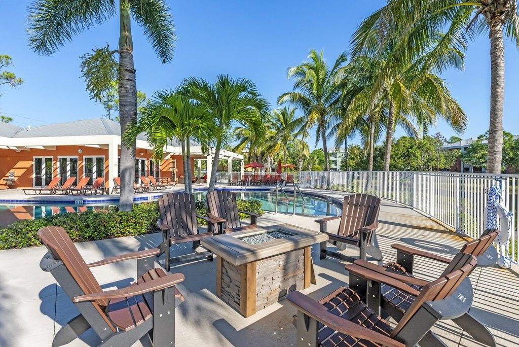19401 Skidmore Way, Fort Myers, FL 33967