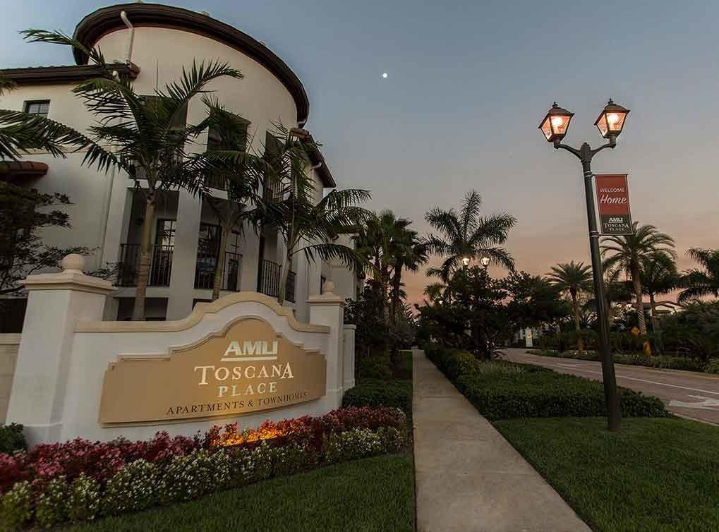 5971 Toscana Dr, Davie, FL 33314