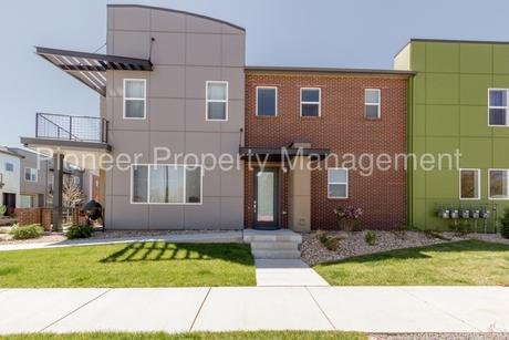 2049 W 67th Pl Denver, CO 80221