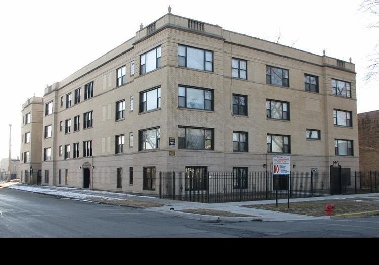 7003 S Harper Ave, Chicago, IL 60637
