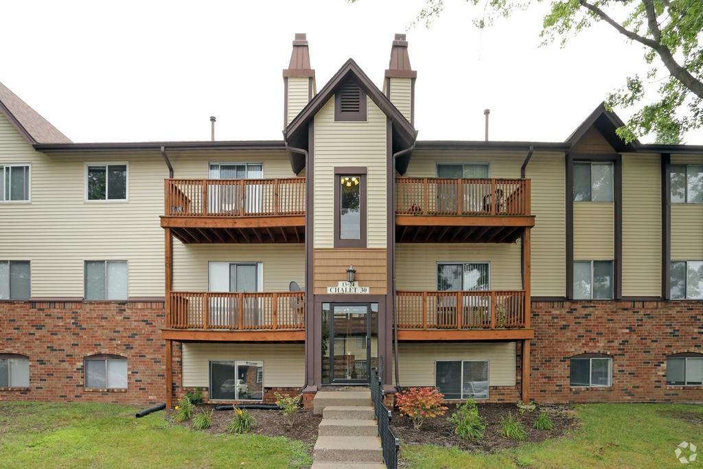 2900 Middle Rd, Bettendorf, IA 52722