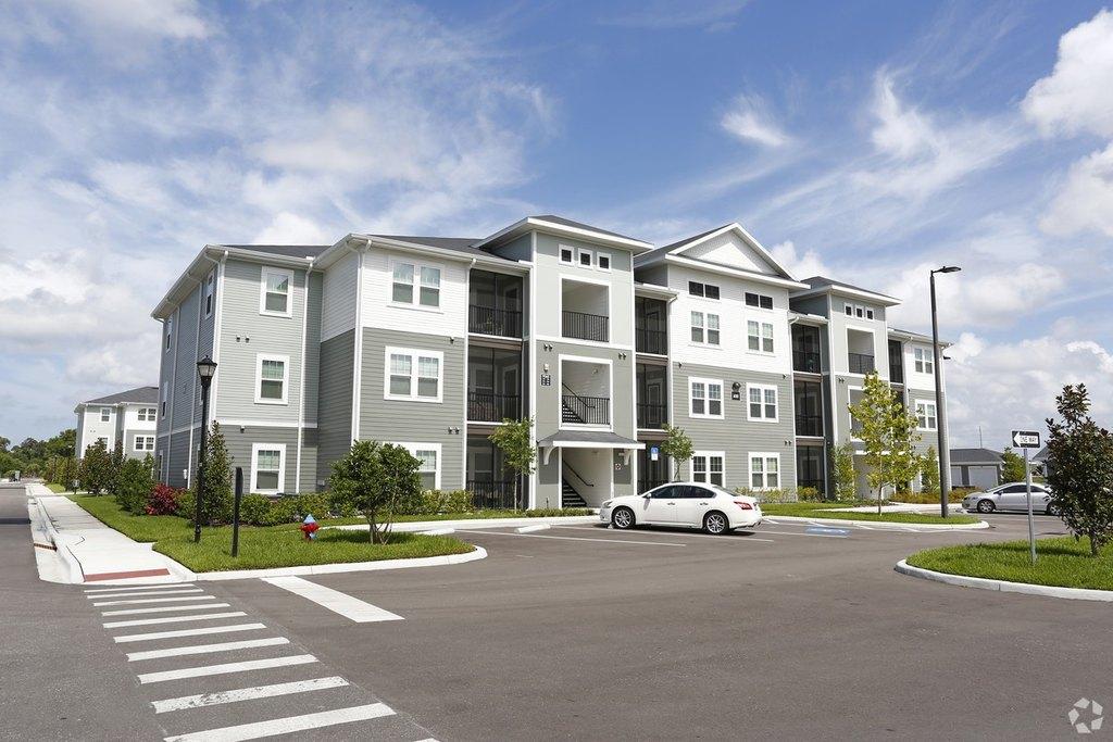 9104 Canopy Oak Ln, Riverview, FL 33578