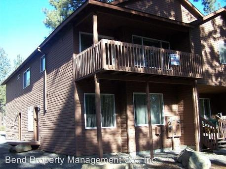 1207 NW Stannium Rd, Bend, OR 97703