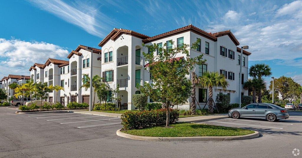 3700 Pacific Point Pl, Fort Lauderdale, FL 33309