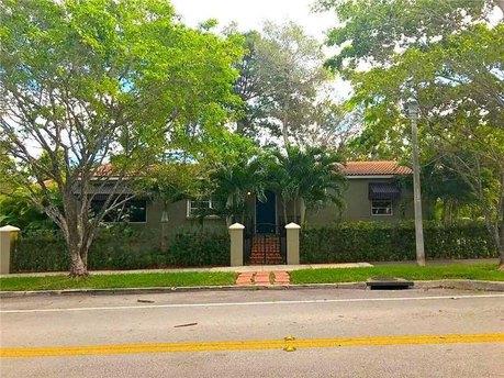 2425 Sw 24th Ave Miami, FL 33145