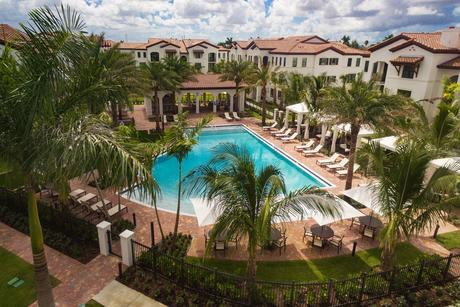 2541 NW 84th Ave, Doral, FL 33122
