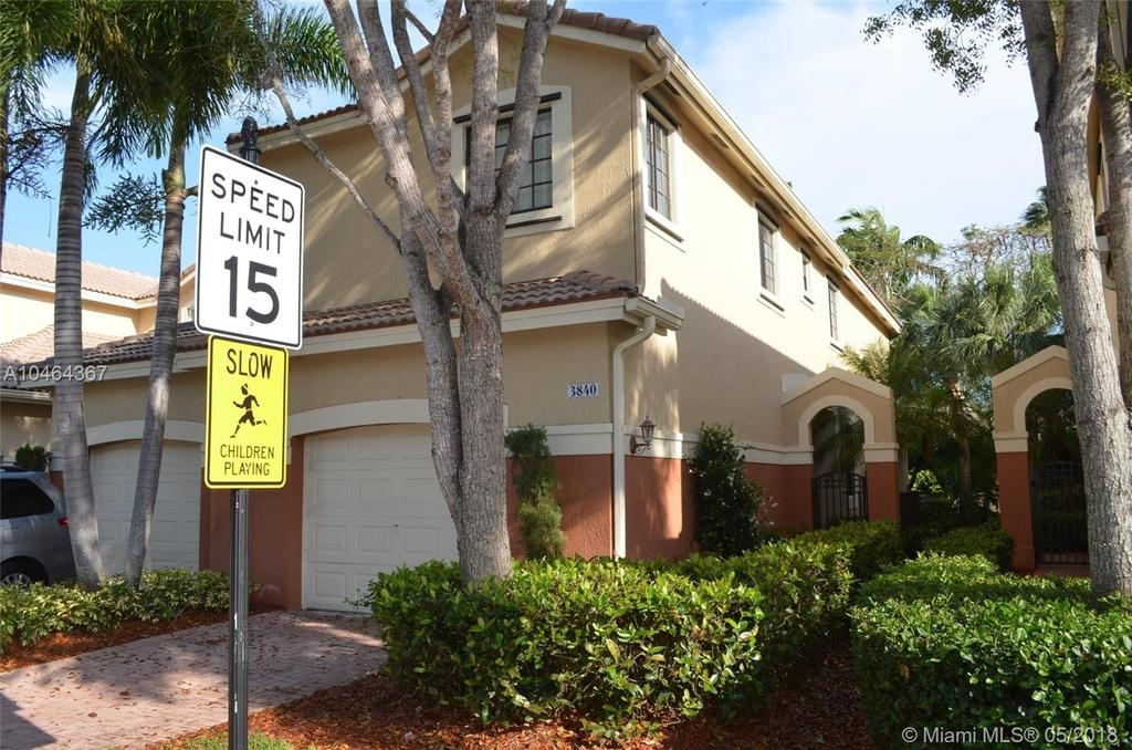 3840 Tree Top Dr, Weston, FL 33332