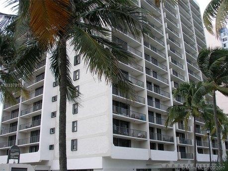 2625 Collins Ct Miami Beach, FL 33139