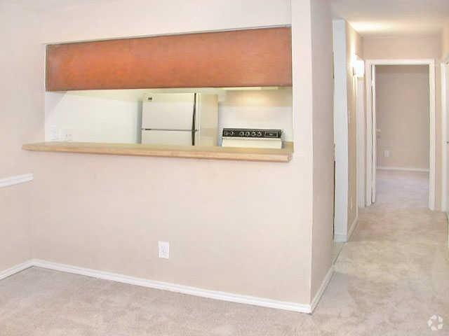 Bayou Bend Apartments | 2901 Airport Ave | Apartment for ...