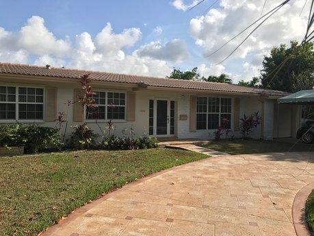 7940 SW 89th Ter, Miami, FL 33156