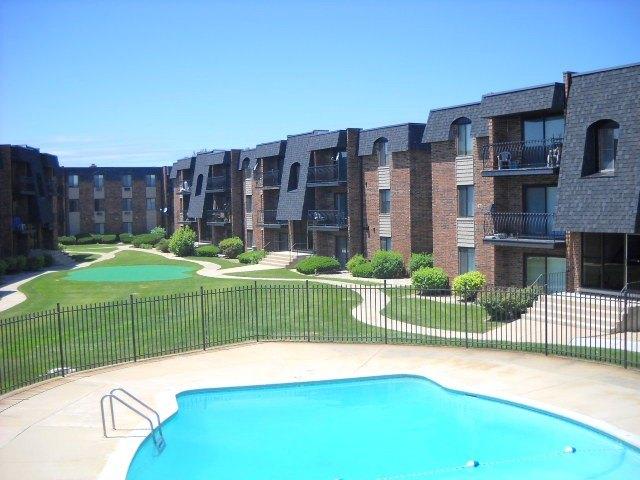Salem Cross Apartments | 18745 Burnham Ave | Apartment for