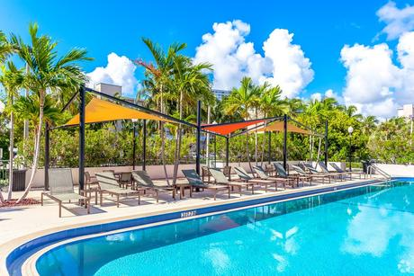 100 Kings Point Dr, Sunny Isles Beach, FL 33160