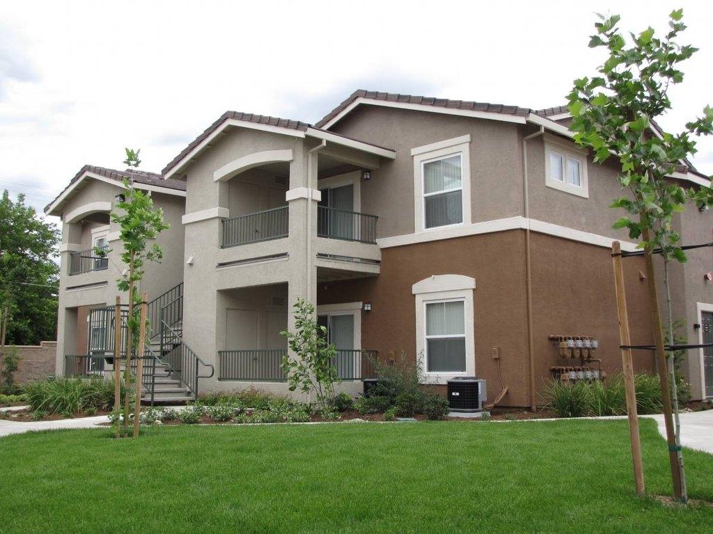 6920 Watt Ave, North Highlands, CA 95660