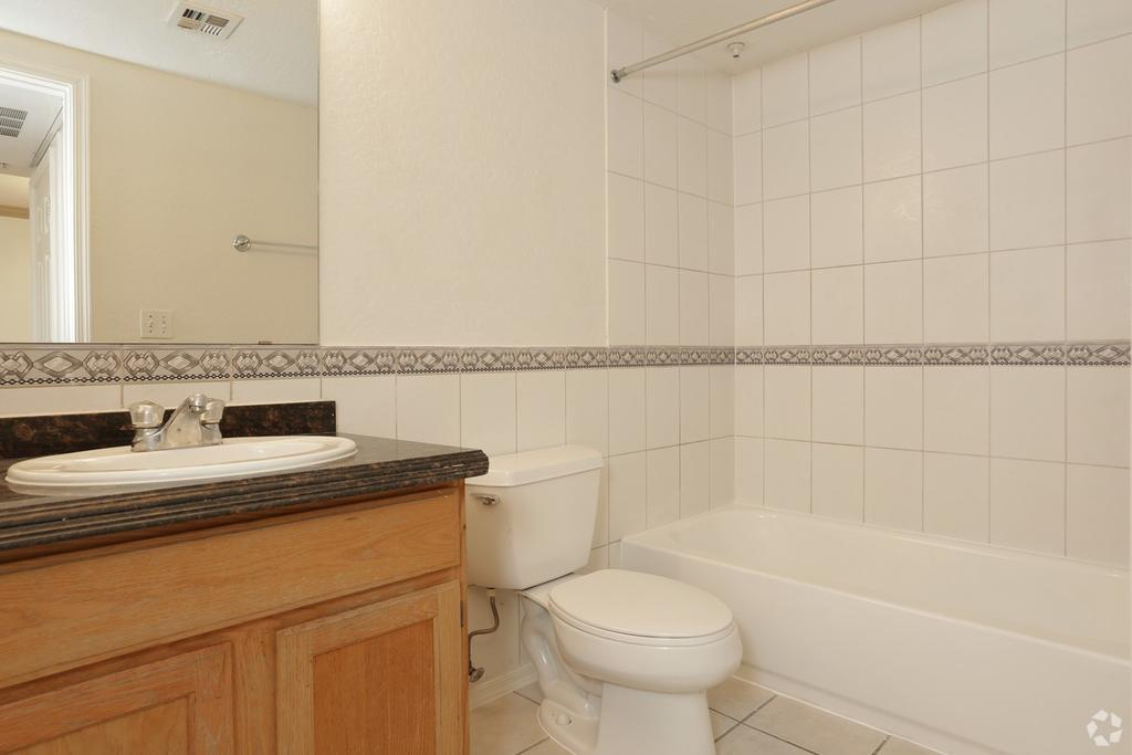 Desert Jewel Apartments 2800 N Arizona Ave Apartment For Rent Doorsteps Com