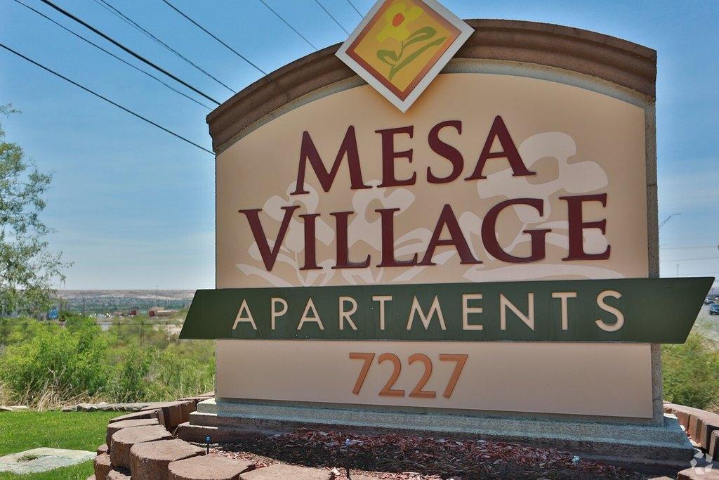 7227 N Mesa St, El Paso, TX 79912