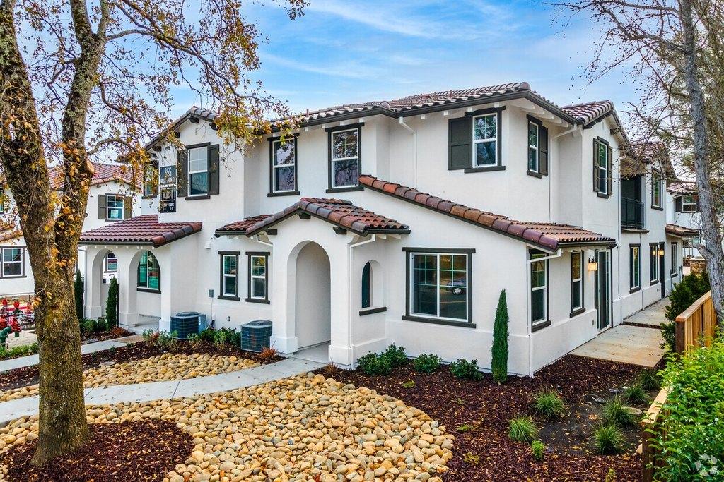 655 W Spain St, Sonoma, CA 95476