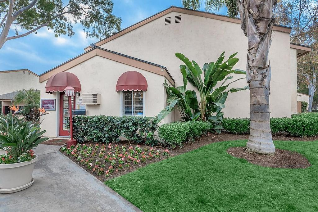 9200 Bloomfield Ave, Cypress, CA 90630
