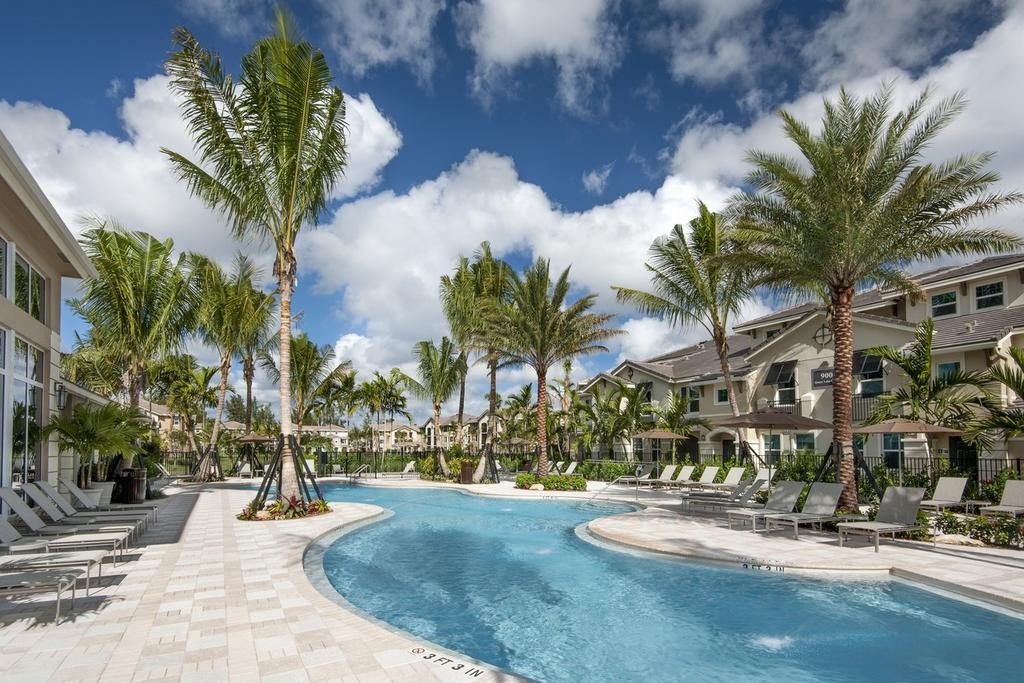 1090 Quaye Lake Cir, West Palm Beach, FL 33411