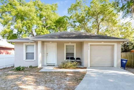 1212 E 108th Ave Tampa, FL 33612