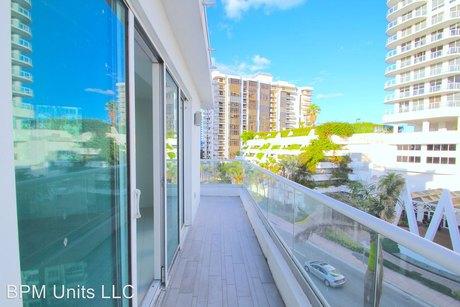 6362 Collins Ave, Miami Beach, FL 33141