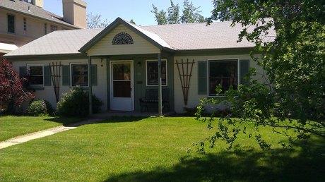 136 S Garfield St, Denver, CO 80209