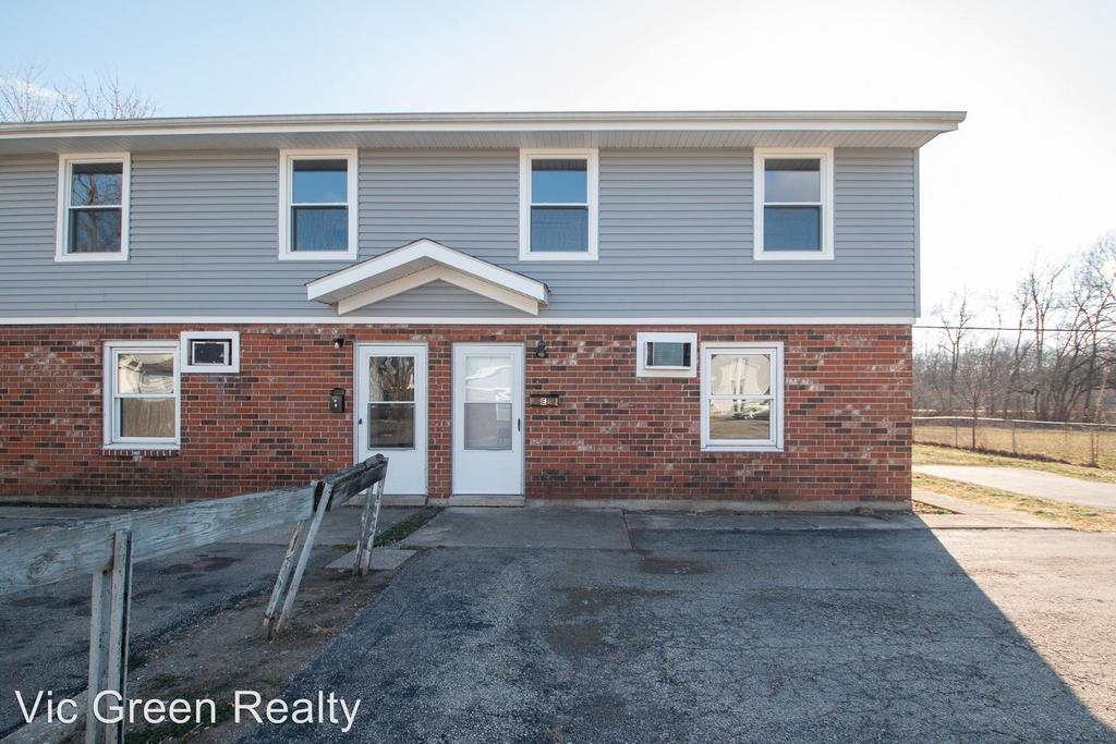 802 S Main St, Franklin, OH 45005
