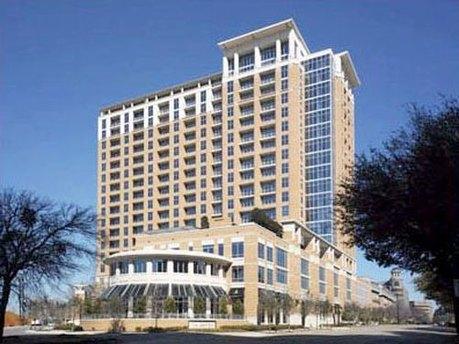 2215 Cedar Springs Rd, Dallas, TX 75201