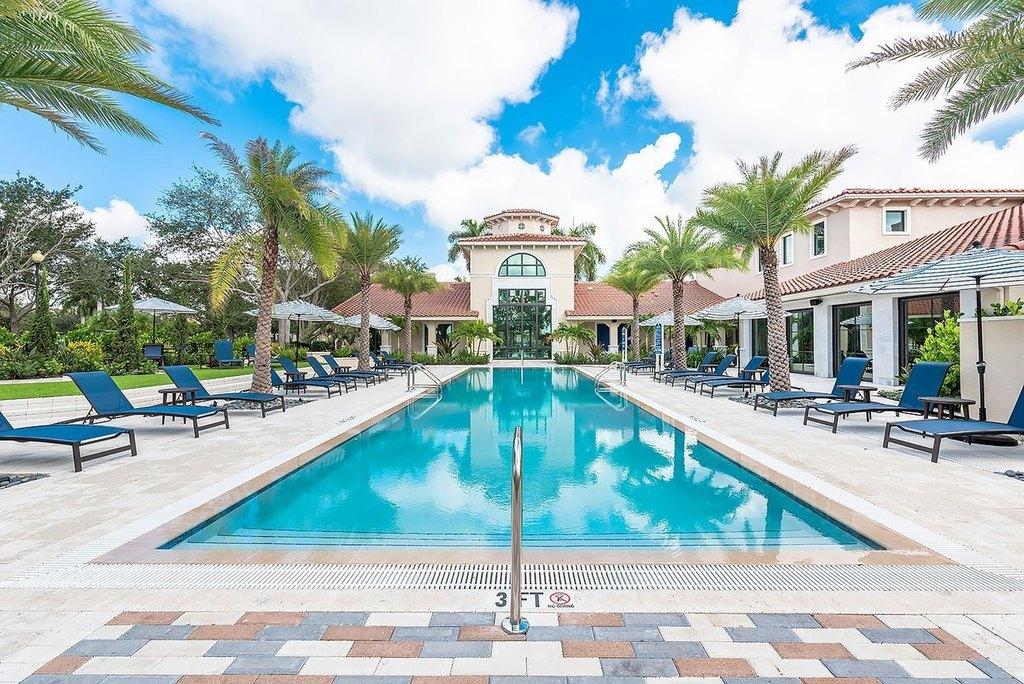 4600 Portofino Way, West Palm Beach, FL 33409