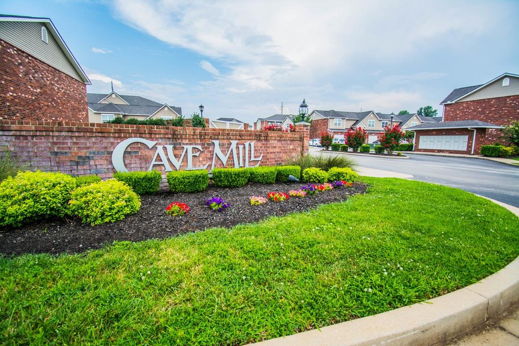 2370 Cave Mill Station Blvd, Bowling Green, KY 42104