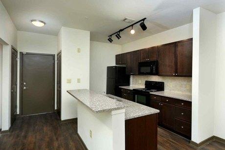 1133 Huff Rd NW, Atlanta, GA 30318