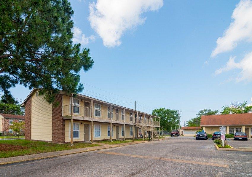 Hartford Commons 3201 Eden St Apartment For Rent Doorsteps Com