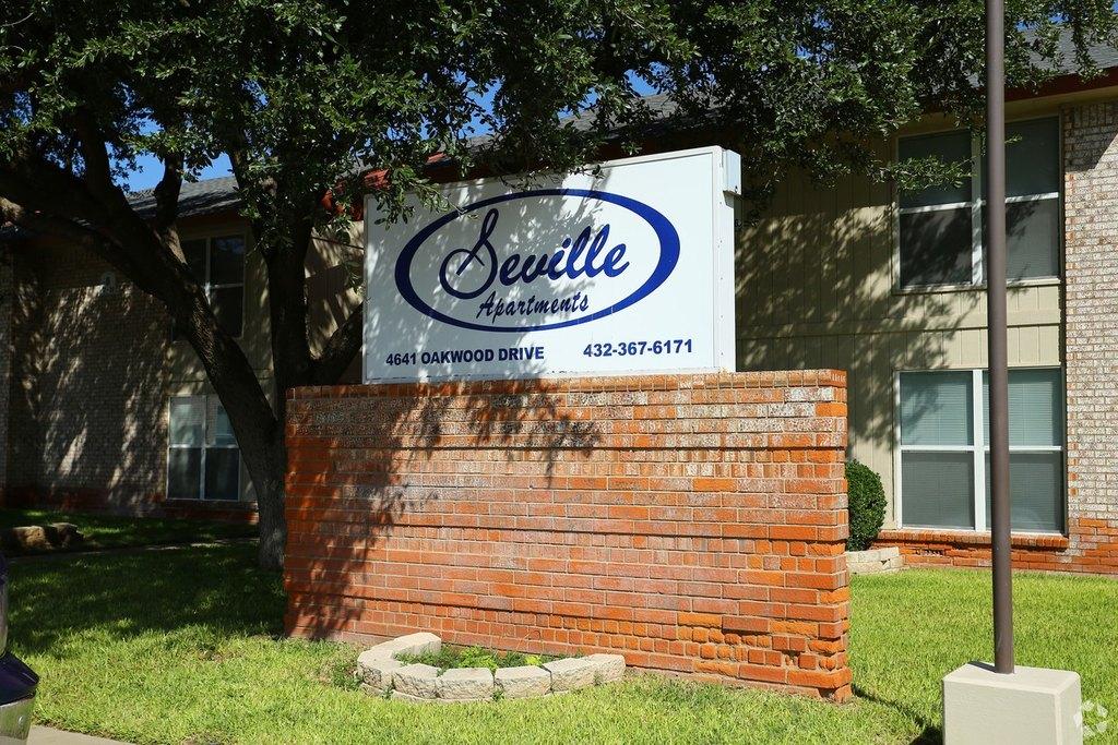 Seville Apartments | 4641 Oakwood Dr | Apartment For Rent | Doorsteps.com