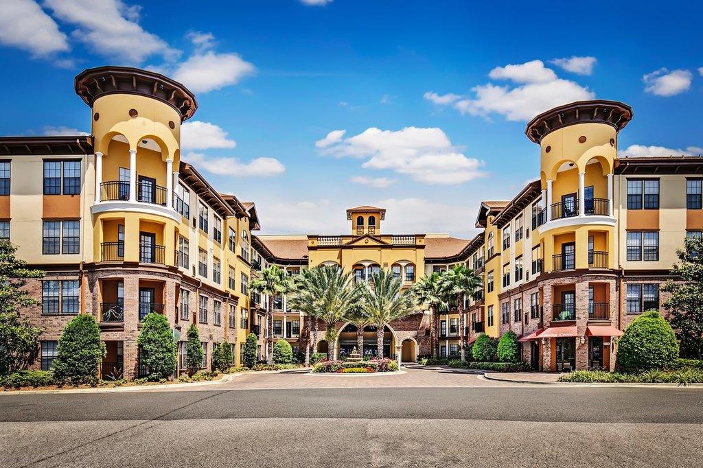 2021 N Lemans Blvd, Tampa, FL 33607