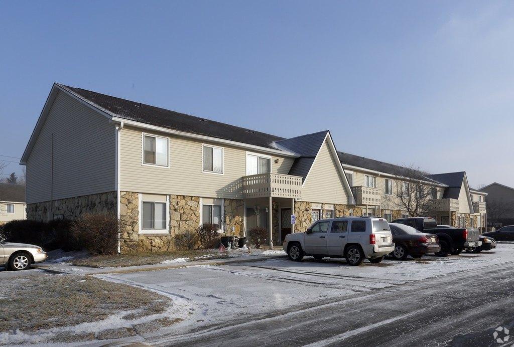 Fox Club | 4401 S Keystone Ave | Apartment for Rent