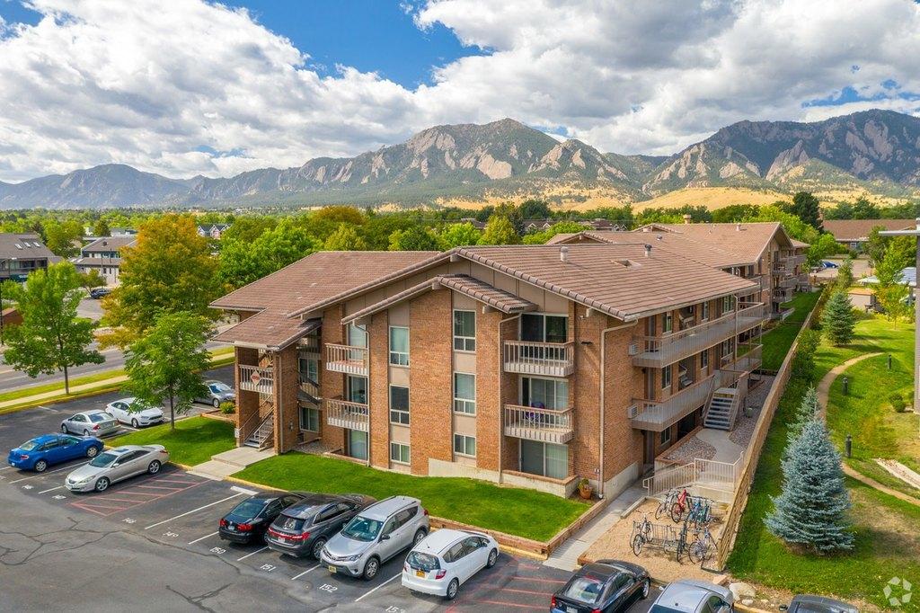 4977 Moorhead Ave, Boulder, CO 80305