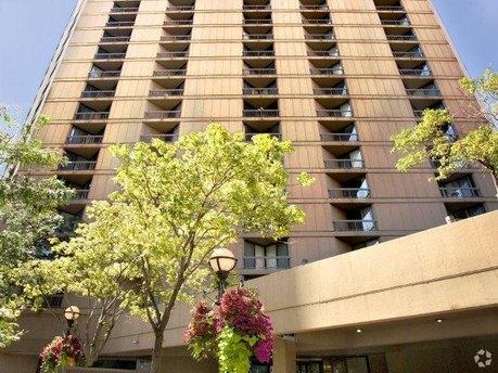 750 N Dearborn St, Chicago, IL 60654