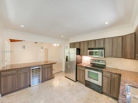401 Garlenda Ave, Coral Gables, FL 33146
